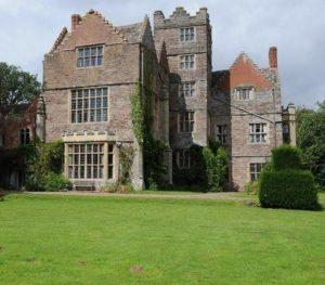 Kinnersley Castle